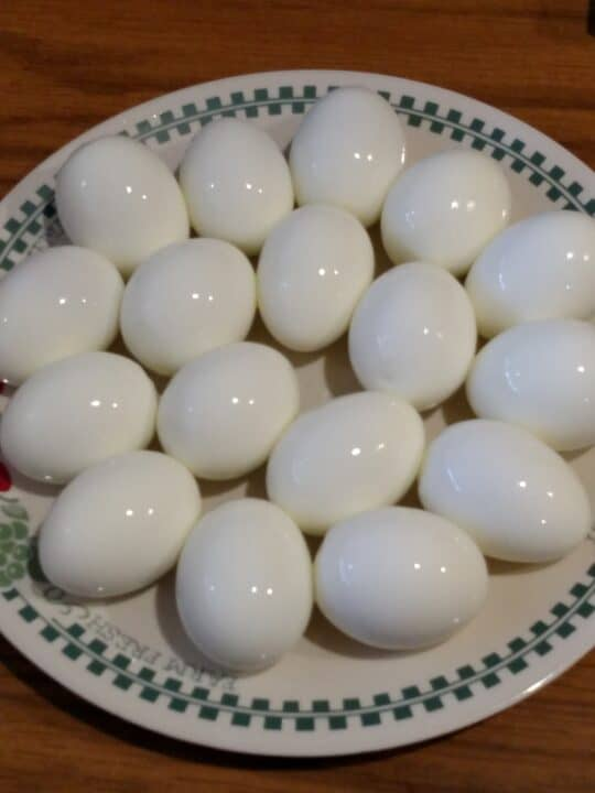 How-to-Make-Easy-to-Peel-Hard-Boiled-Eggs