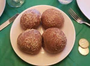 4 pieces of round keto bread